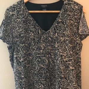 George woman dressy v neck top w/slit sleeves